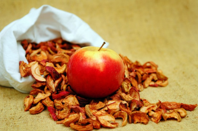Dried apples: calorie, benefits and harms
