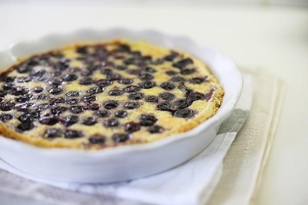 Также можно попробовать сделать по рецепту пирог
