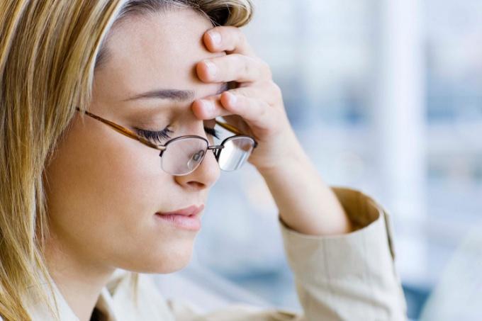 Мигрень: причины, симптомы и лечение