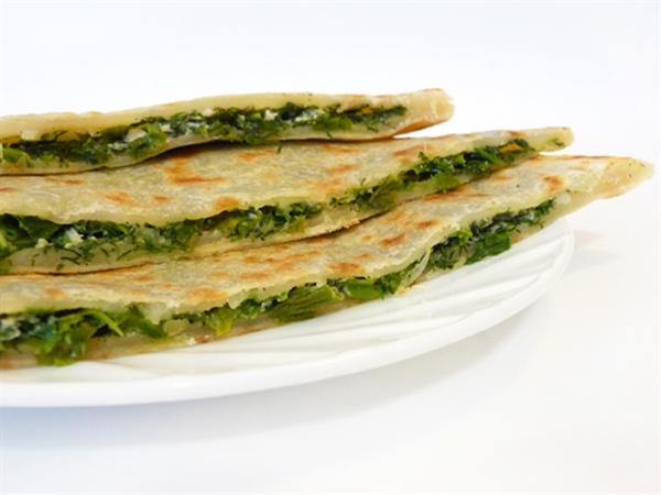 Как приготовить бакинские лепешки с зеленью