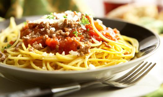 Спагетти с морковной пастой