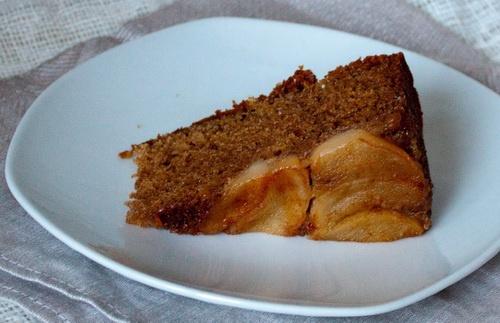 Как приготовить имбирно-грушевый пирог-перевертыш