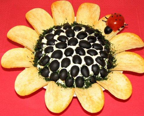 Салат «Подсолнух» с чипсами