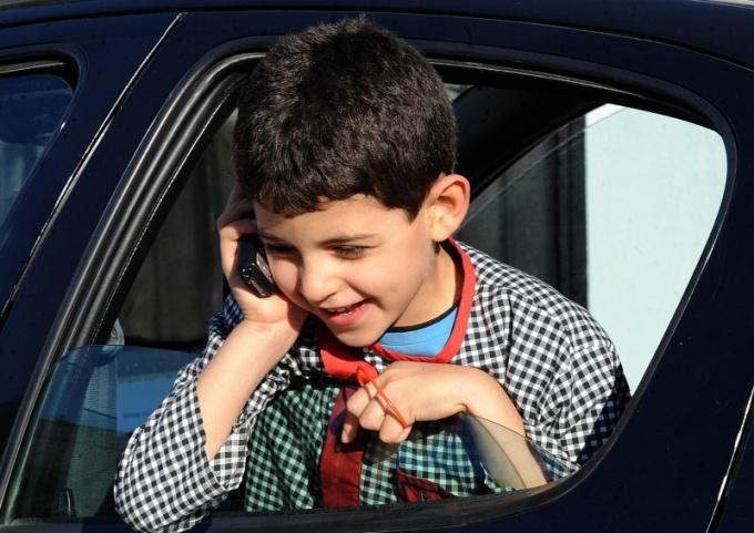 Какой телефон купить ребенку