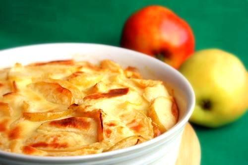 Как приготовить запеканку из макарон с творогом и яблоками?
