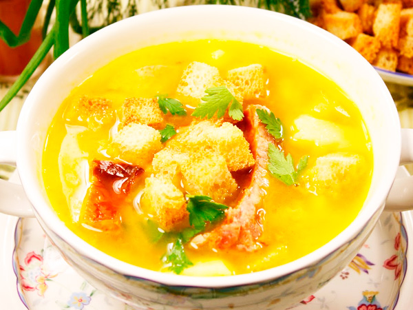 Суп гороховый с копчеными ребрами