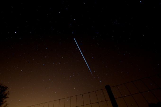 International space station visible in night sky with the naked eye