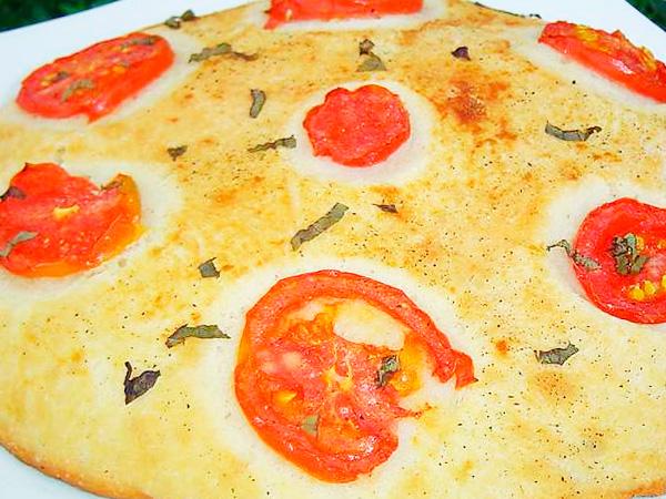 Приготоить пряные лепешки с помидорами
