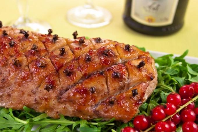 Свинина «Праздничная» под соусом