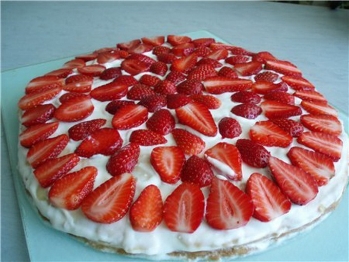 Cake with sour cream