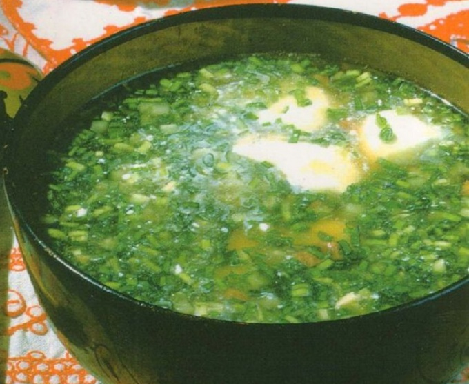 Ботвинья с кальмарами (холодный суп)