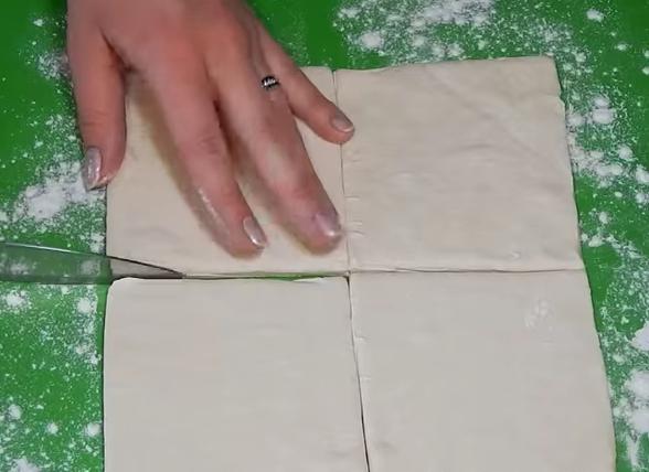 Режем слоёное тесто