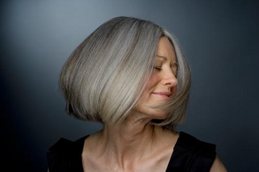 Как сохранить молодость волос