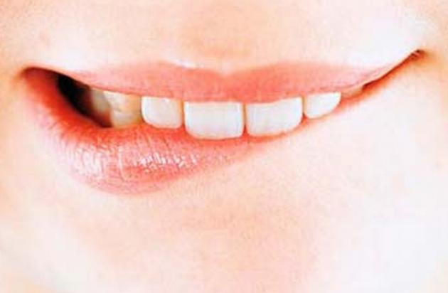 Домашнее лечение потрескавшихся губ