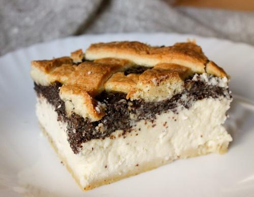 Пирог с начинкой из творога и мака