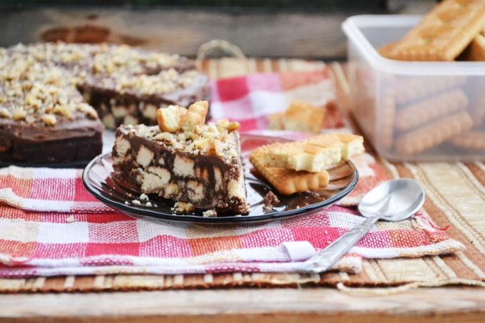 Как приготовить хрустящий шоколадный торт?