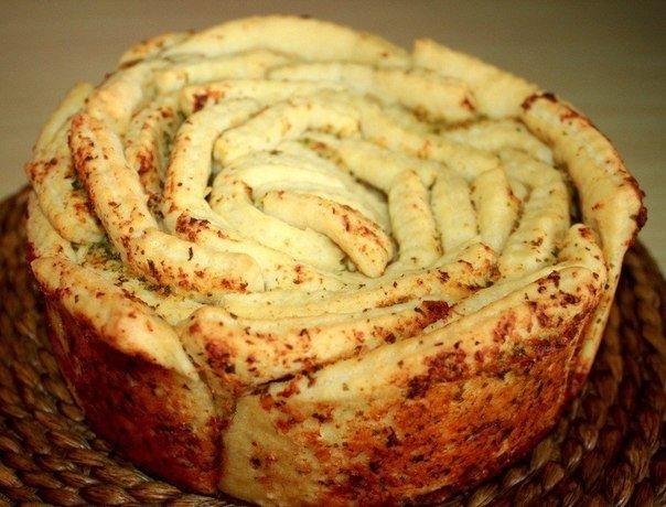 """Как приготовить """"Обезьяний хлеб"""" с чесноком"""