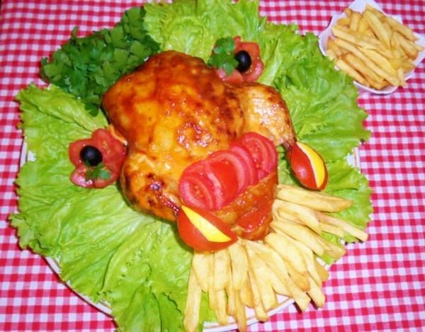 Курица с начинкой из креветок и риса под соусом «Гольф»