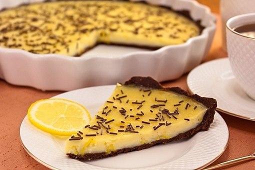 Как приготовить шоколадный торт с лимонным кремом
