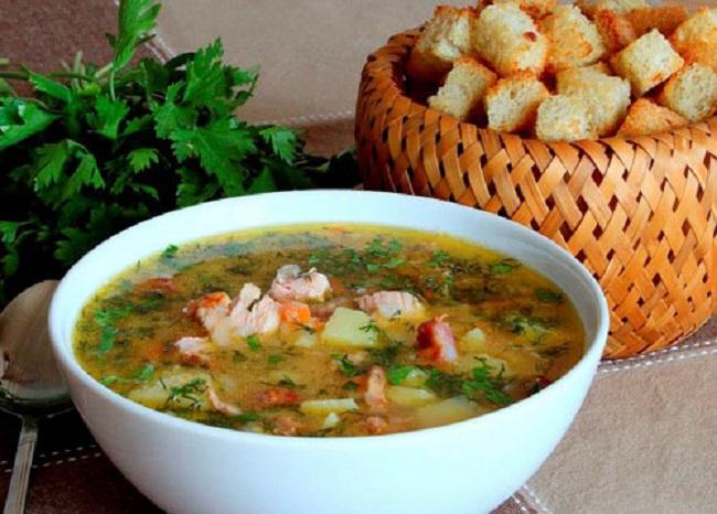 Как приготовить гороховый суп с ребрышками?