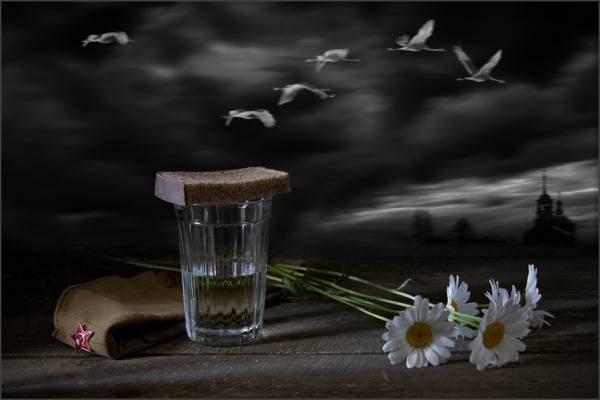 Почему нельзя ставить покойному хлеб и воду