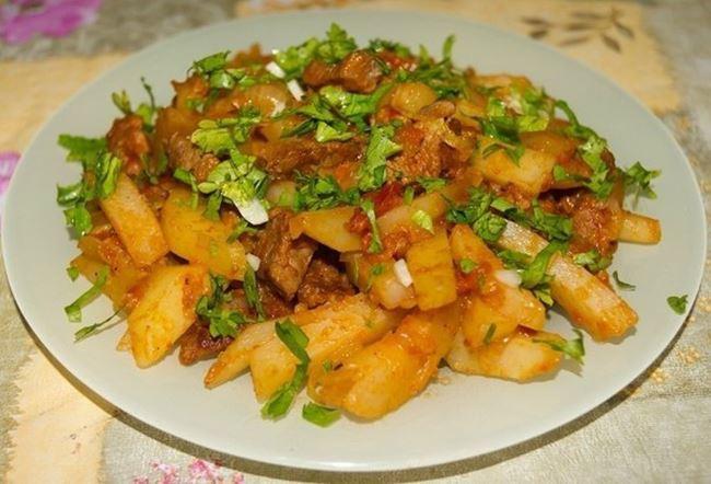 Готовим азу по-татарски с картофелем