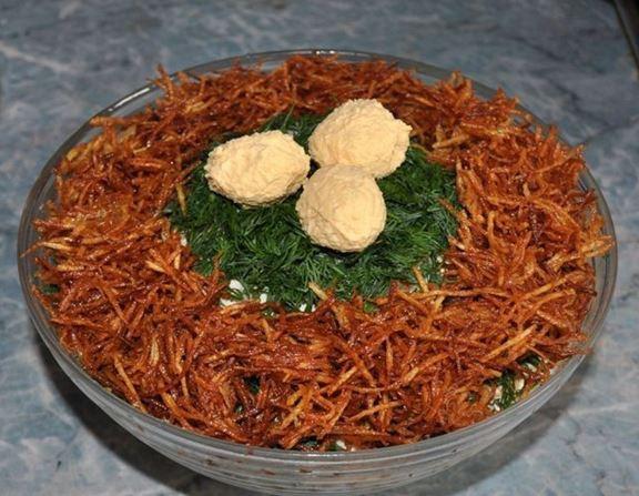 Готовим вкусный салат «Гнездо глухаря»