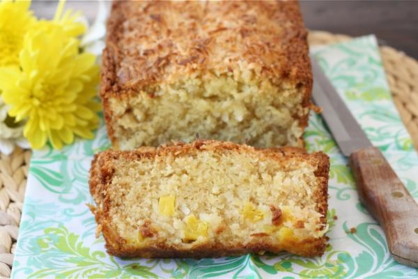 Как приготовить цельнозерновой хлеб с кокосом и бананом?