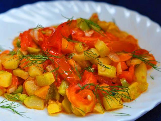 Готовим рагу из кабачков и картофеля