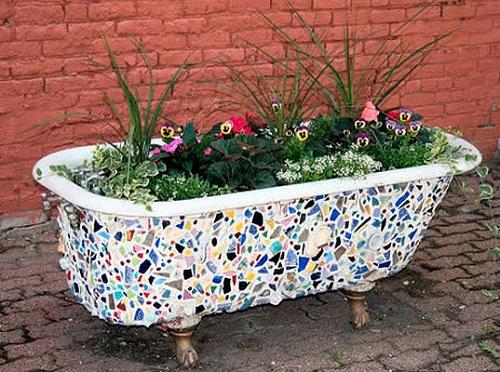 Как приспособить старую ванну на даче