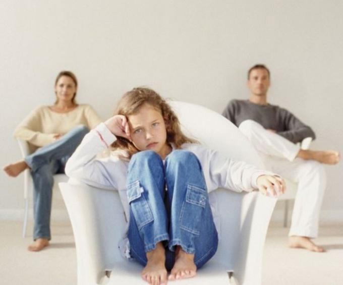Чаще всего смена фамилии нужна одному из родителей - не дочери или сыну.