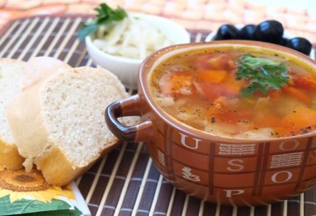 Фассолада: греческий фасолевый суп
