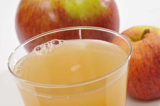 Худейте на здоровье с яблочным уксусом!