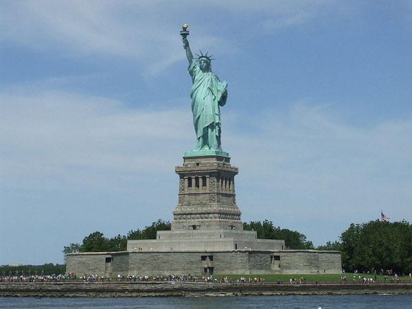 Что такое и где находится Статуя Свободы