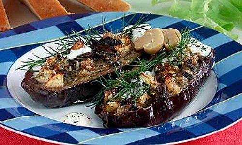 Как приготовить баклажаны, фаршированные грибами?
