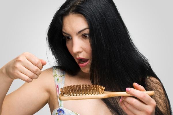 Выпадение волос после родов