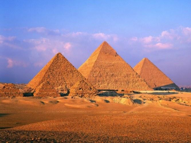 Как и зачем египтяне строили пирамиды
