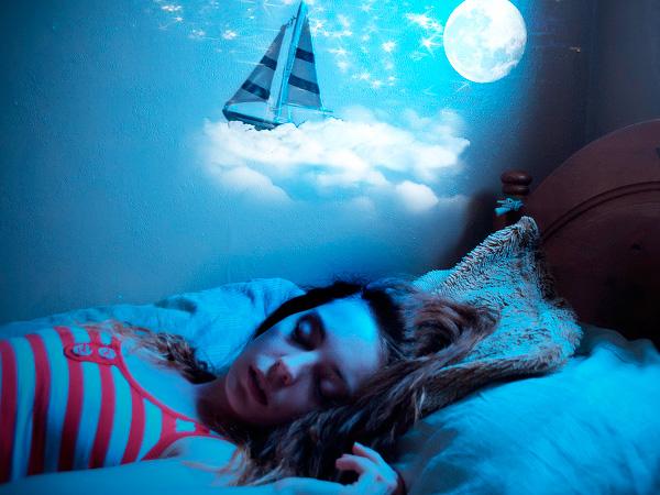 Почему видят сны люди
