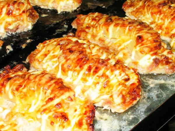 Приготовить бифштекс с сыром