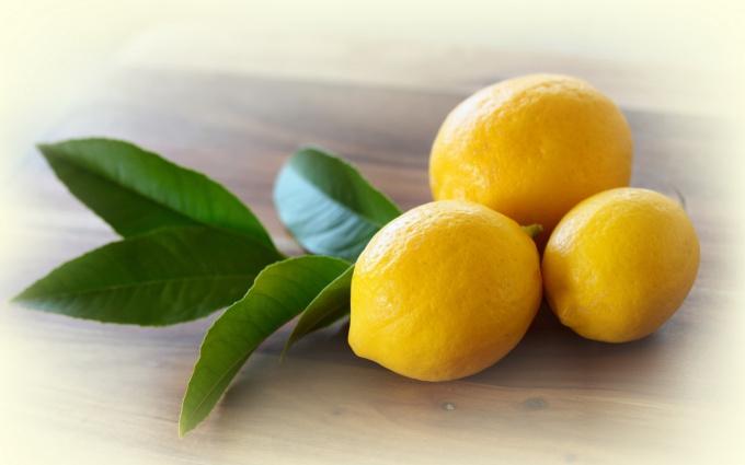 Как с помощью лимона очистить металлические поверхности?