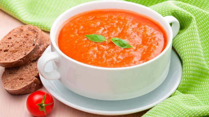 Как приготовить холодный летний суп?