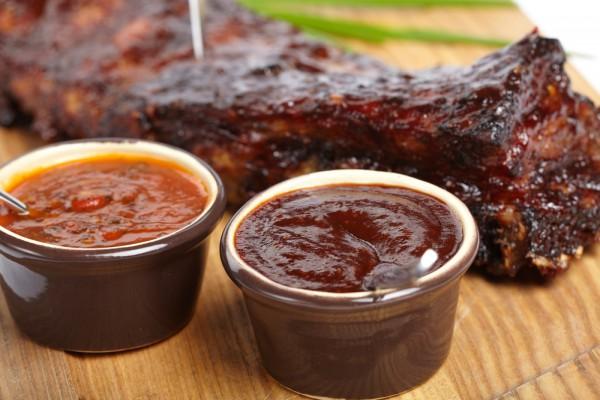 Вкусные домашние соусы к мясу: пять рецептов