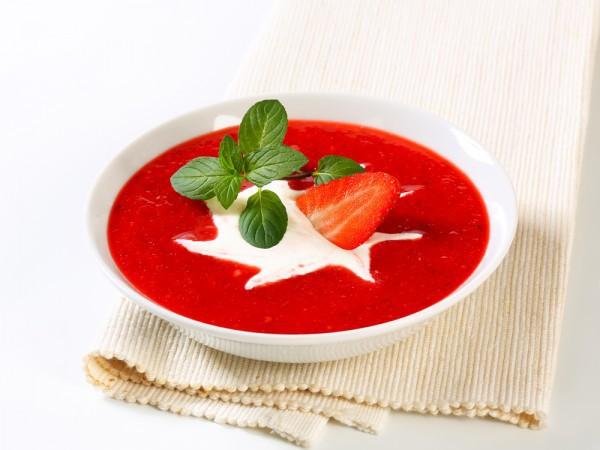 Десертный клубничный суп