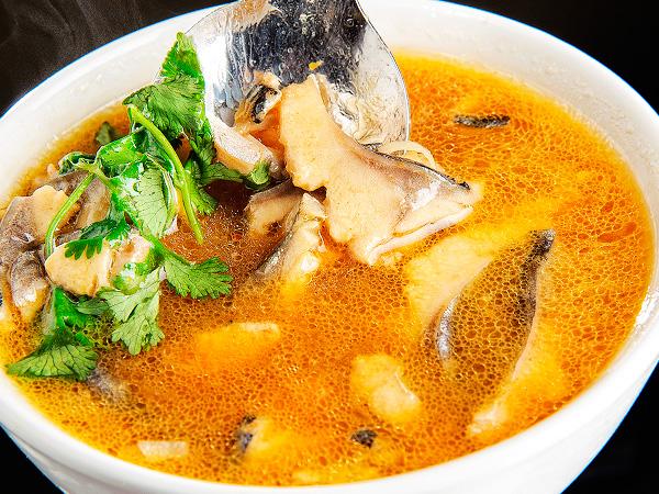 Приготовить тайский рыбный бульон