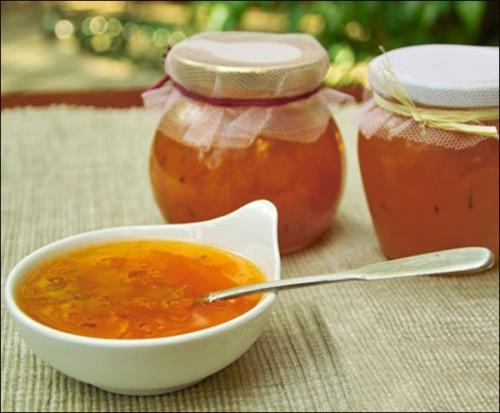 Как приготовить яблочное варенье с миндалем