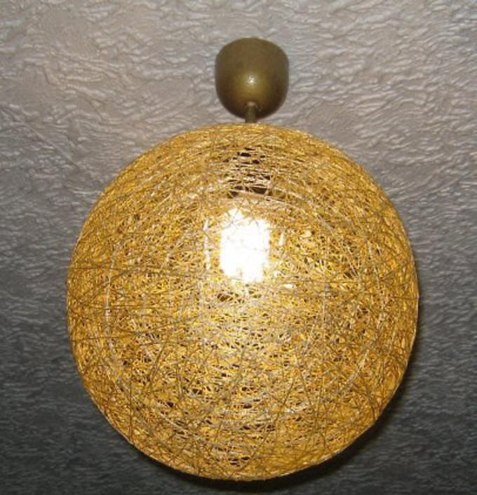 Плафон из шариков и ниток своими руками 153