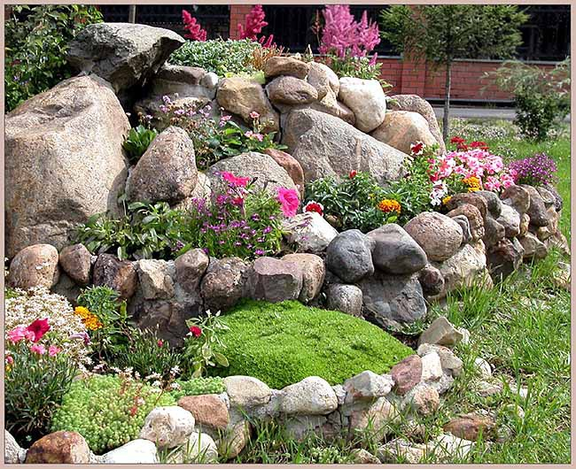 Камень на даче дизайн