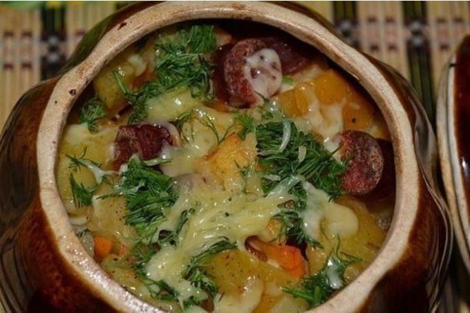 Запеченная картошка с охотничьими колбасками