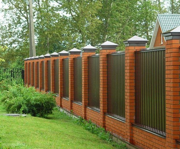 Как выбрать забор для загородного участка