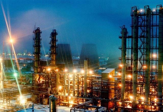 Стерлитамак - центр химической  промышленности и машиностроения